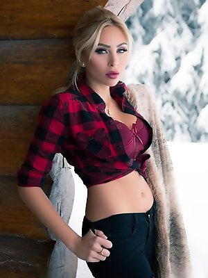 Cybergirl of the Year 2015